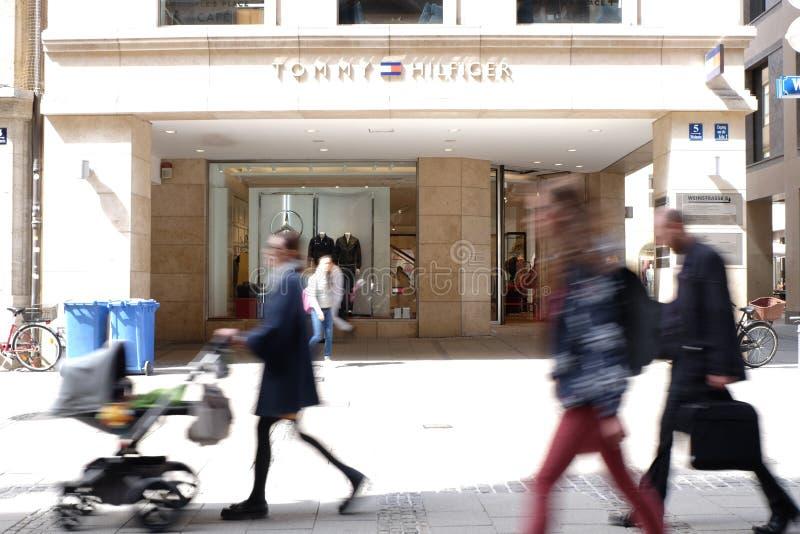 Κατάστημα του Tommy Hilfiger στο Μόναχο στοκ φωτογραφία με δικαίωμα ελεύθερης χρήσης