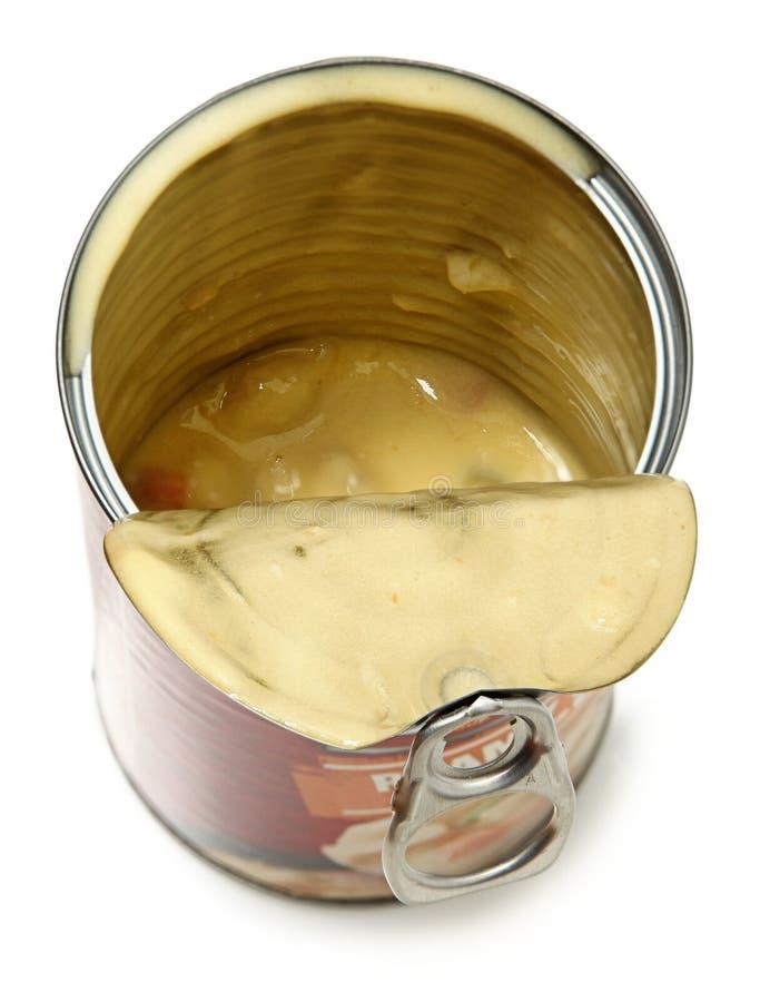 Κατά το ήμισυ κενός ανοικτός μπορεί της σούπας μπουλεττών πατατών στοκ φωτογραφίες