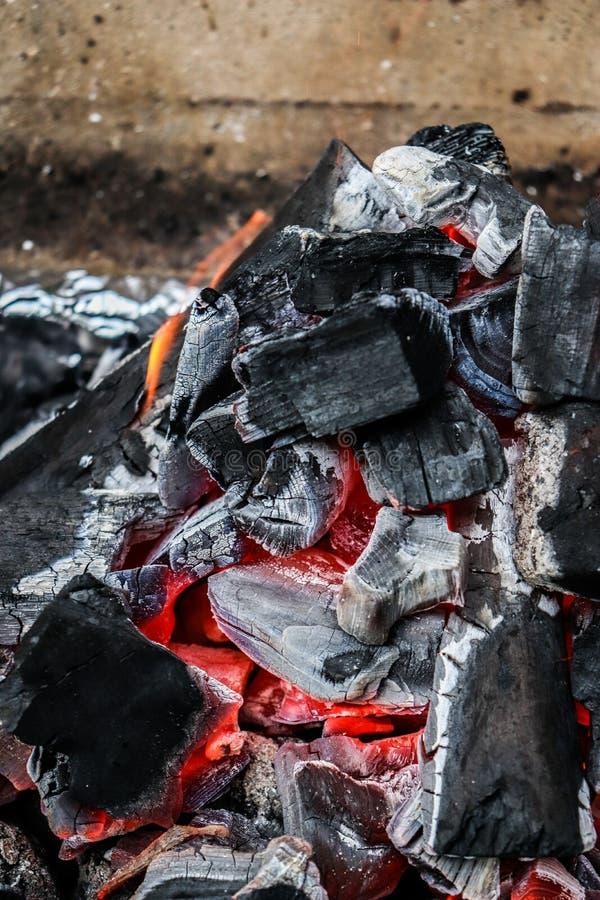 Κατά το ήμισυ μμένος άνθρακας κοντά επάνω στοκ φωτογραφία με δικαίωμα ελεύθερης χρήσης