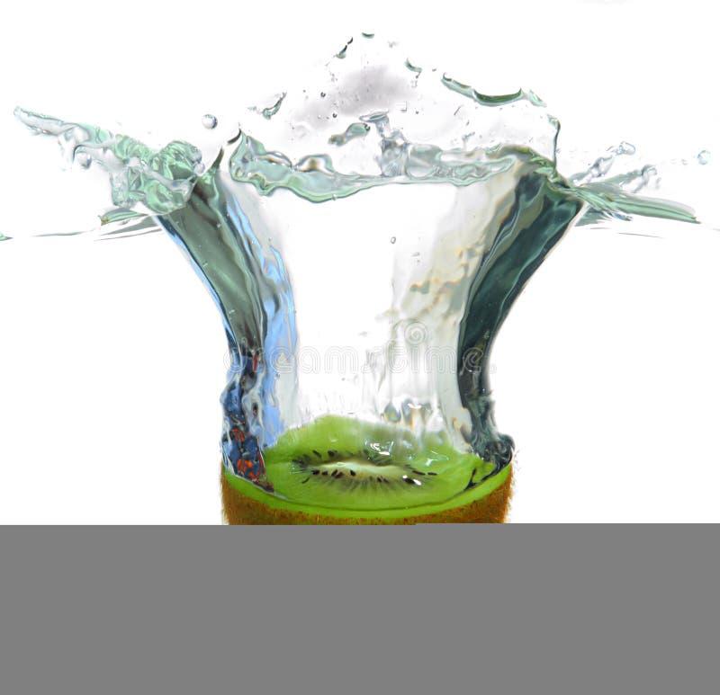 καταβρέχοντας ύδωρ ακτινί&d στοκ φωτογραφία με δικαίωμα ελεύθερης χρήσης