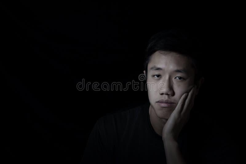 καταθλιπτικές νεολαίες ατόμων στοκ φωτογραφία