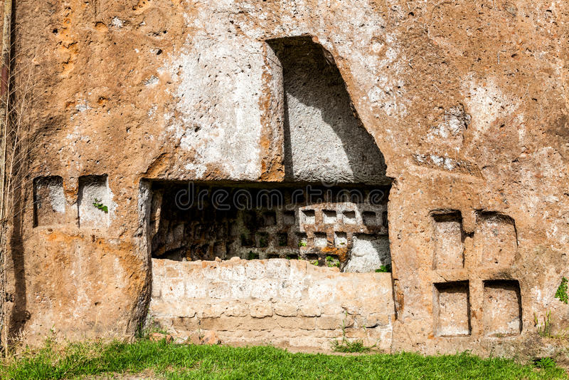 Κατακόμβες Etruscan στην αρχαία πόλη Sutri, Ιταλία στοκ φωτογραφίες