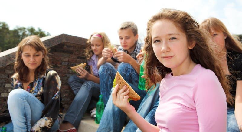 κατανάλωση teens στοκ φωτογραφία με δικαίωμα ελεύθερης χρήσης