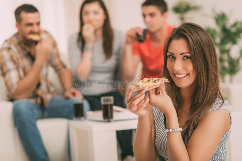 κατανάλωση των νεολαιών &gamm στοκ φωτογραφία με δικαίωμα ελεύθερης χρήσης