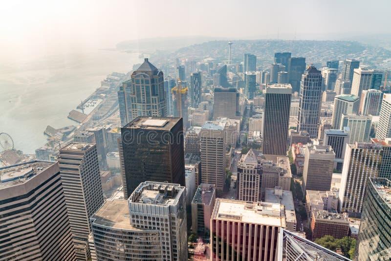 Καταπληκτική εναέρια άποψη του ορίζοντα του Σιάτλ, Ουάσιγκτον, ΗΠΑ στοκ εικόνα με δικαίωμα ελεύθερης χρήσης