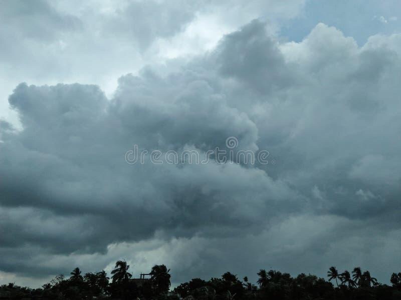 Καταπληκτικός νεφελώδης ουρανός στοκ εικόνα με δικαίωμα ελεύθερης χρήσης
