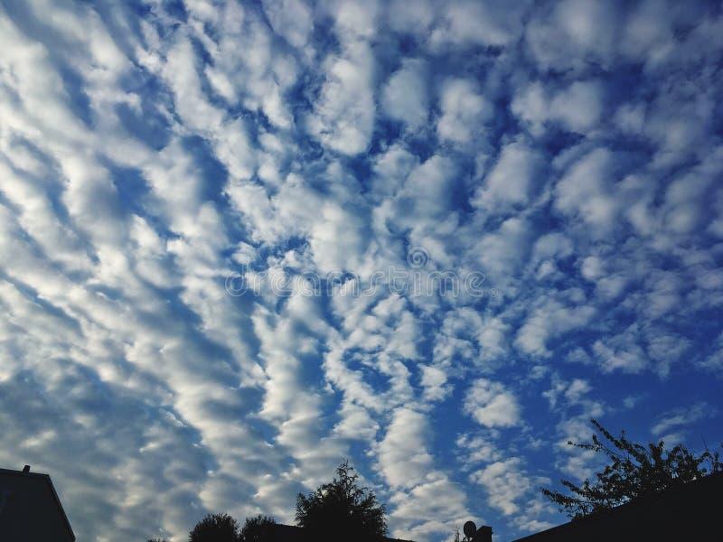 Καταπληκτικός ουρανός πρωινού στοκ φωτογραφία με δικαίωμα ελεύθερης χρήσης