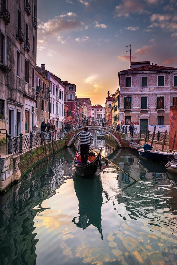 Καταπληκτικό ηλιοβασίλεμα στη Βενετία στοκ εικόνα με δικαίωμα ελεύθερης χρήσης