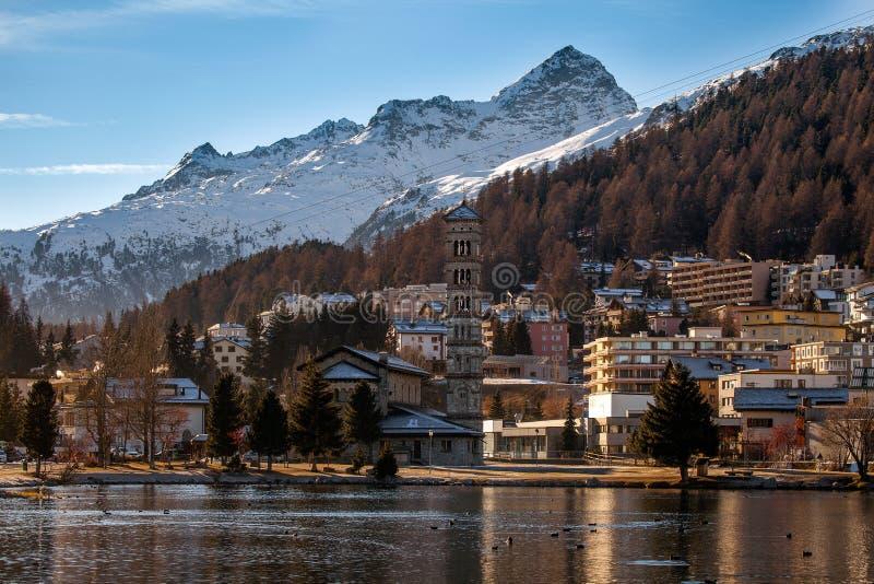 Καταπληκτικό τοπίο βουνών από το ST Moritz, Ελβετία στοκ φωτογραφίες