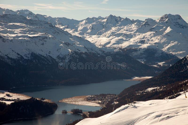 Καταπληκτικό τοπίο βουνών από το ST Moritz, Ελβετία στοκ φωτογραφία