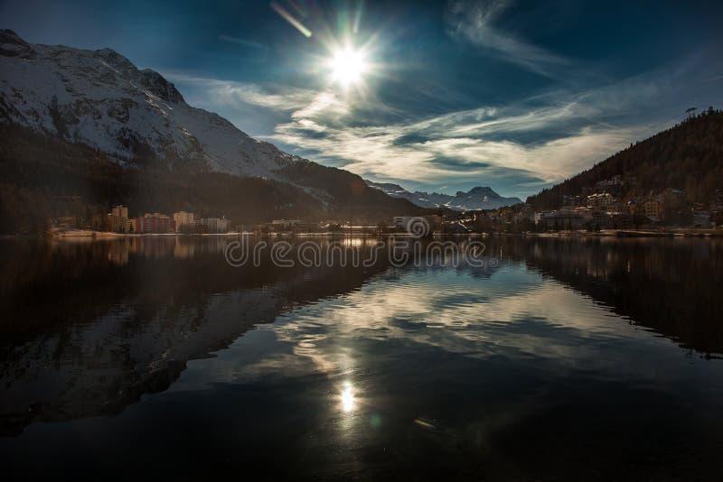 Καταπληκτικό τοπίο βουνών από το ST Moritz, Ελβετία στοκ εικόνες