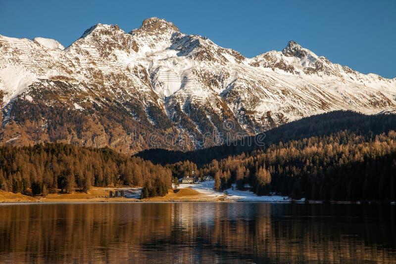 Καταπληκτικό τοπίο βουνών από το ST Moritz, Ελβετία στοκ φωτογραφία με δικαίωμα ελεύθερης χρήσης