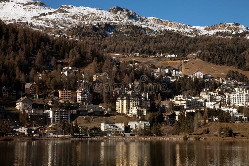 Καταπληκτικό τοπίο βουνών από το ST Moritz, Ελβετία στοκ φωτογραφίες με δικαίωμα ελεύθερης χρήσης