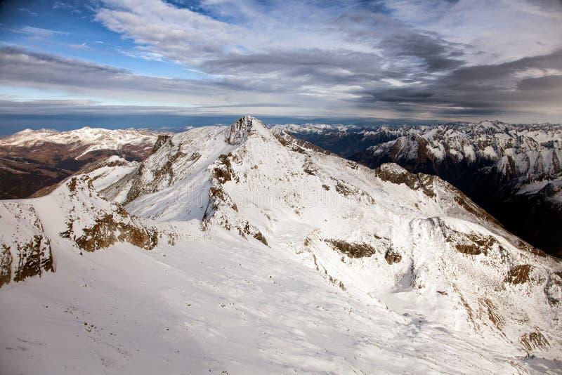 Καταπληκτικό τοπίο βουνών από Hintertux, Αυστρία στοκ εικόνα