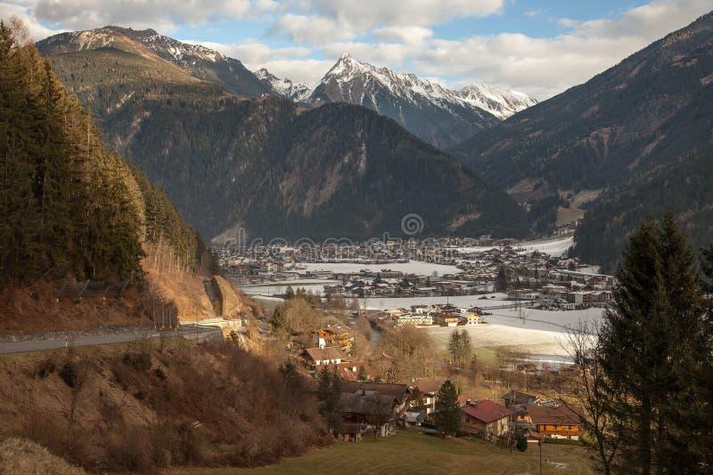 Καταπληκτικό τοπίο βουνών από Hintertux, Αυστρία στοκ φωτογραφία με δικαίωμα ελεύθερης χρήσης
