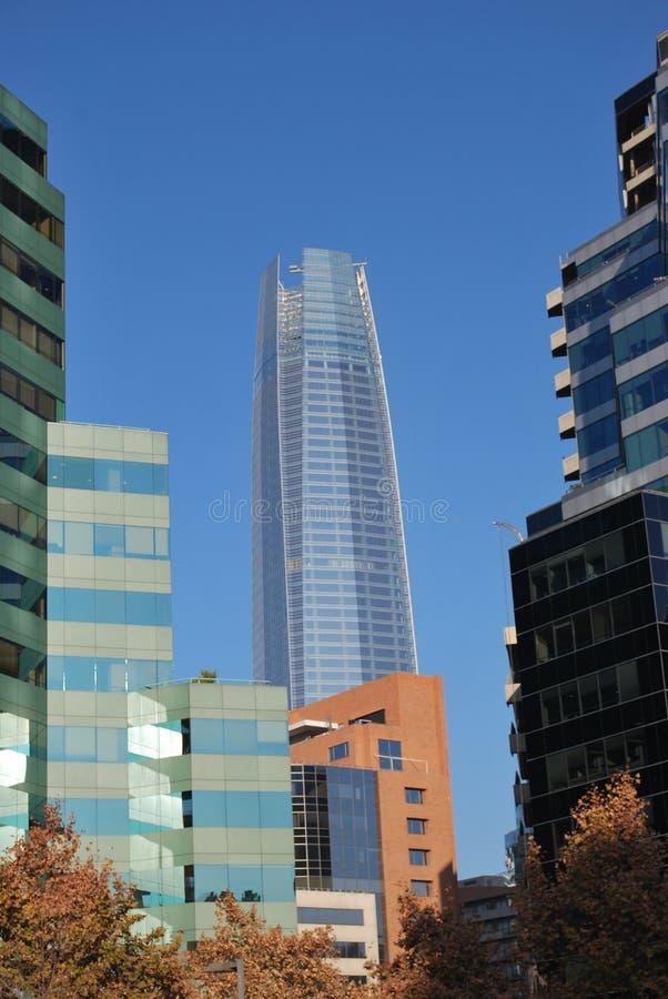 Καταπληκτικοί ουρανοξύστες στο Σαντιάγο, Χιλή στοκ εικόνες