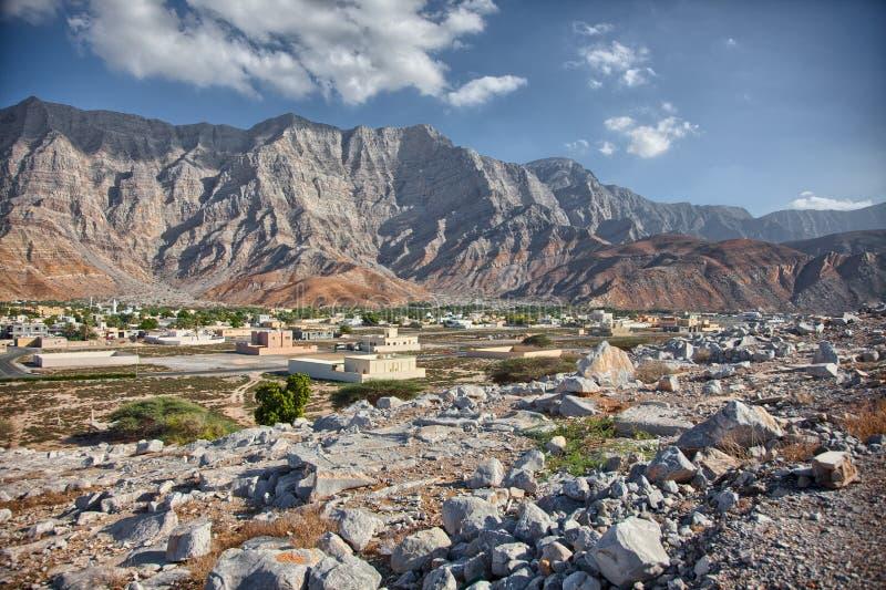 Καταπληκτικό τοπίο βουνών σε Bukha, χερσόνησος Musandam, Ομάν στοκ φωτογραφία
