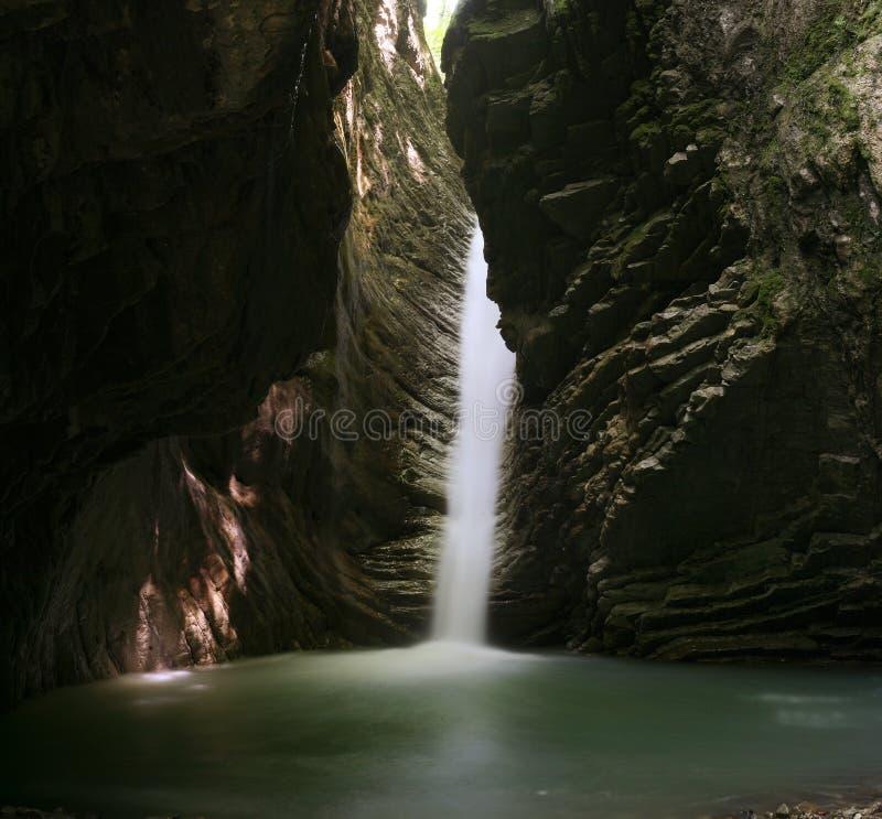 καταρράκτης σπηλιών στοκ εικόνες