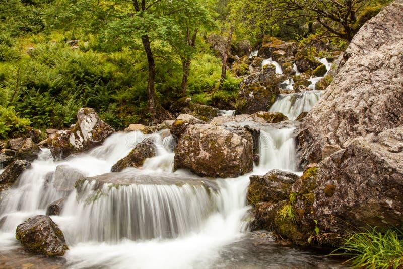 Καταρράκτης στην κοιλάδα του Glen Coe στοκ φωτογραφία με δικαίωμα ελεύθερης χρήσης
