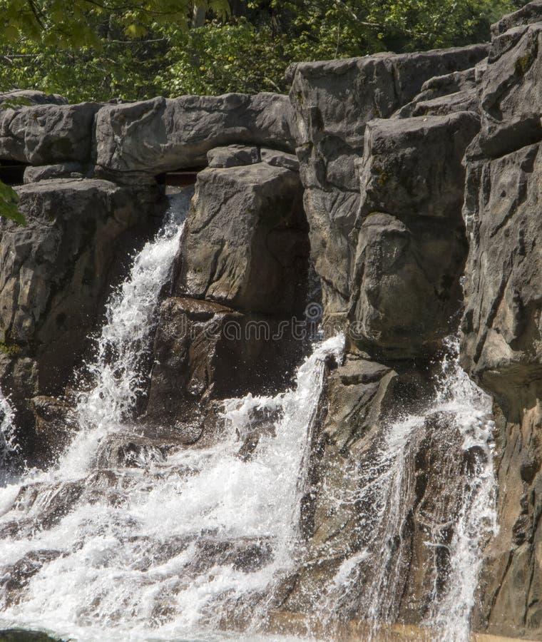 καταρράκτης της Ταϊλάνδης βράχου φύσης στοκ εικόνα με δικαίωμα ελεύθερης χρήσης