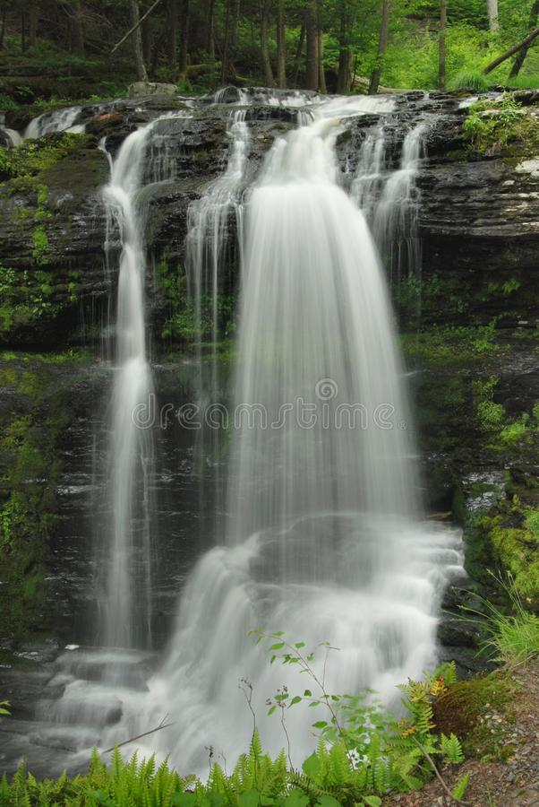 καταρράκτης ύδατος της Π&epsil στοκ εικόνες