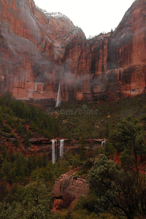 Download καταρράκτης στοκ εικόνες. εικόνα από κόκκινος, zion, πάρκο - 376224