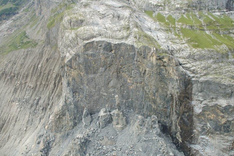 Καταρρεσμένος βράχος κοντινό Grindelwald στην Ελβετία στοκ εικόνες με δικαίωμα ελεύθερης χρήσης