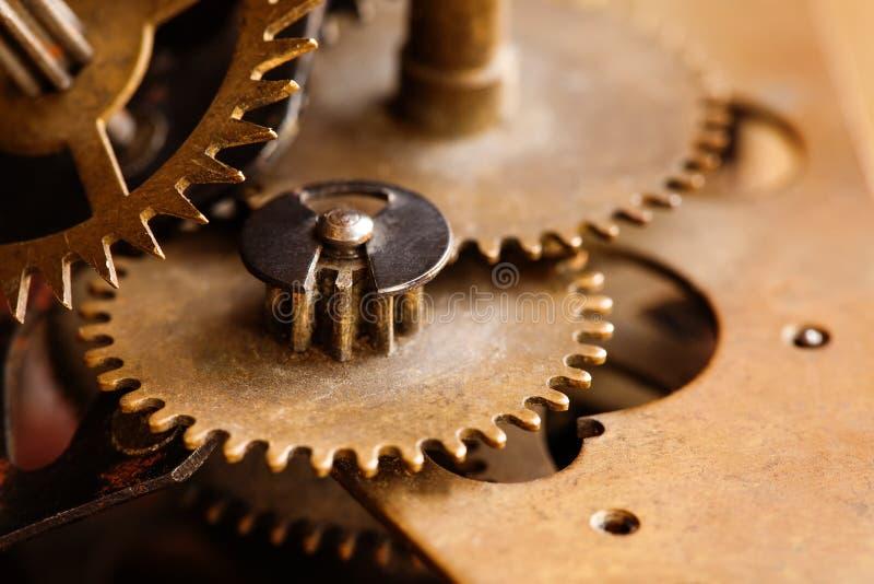 Κατασκευή μηχανημάτων σύνδεσης ροδών βαραίνω χαλκού Συνδέοντας μηχανική έννοια εργαλείων Μακρο φωτογραφία εστίασης άποψης εκλεκτι στοκ φωτογραφίες με δικαίωμα ελεύθερης χρήσης