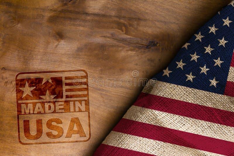 Κατασκευασμένος στις ΗΠΑ και τη σημαία στοκ εικόνες