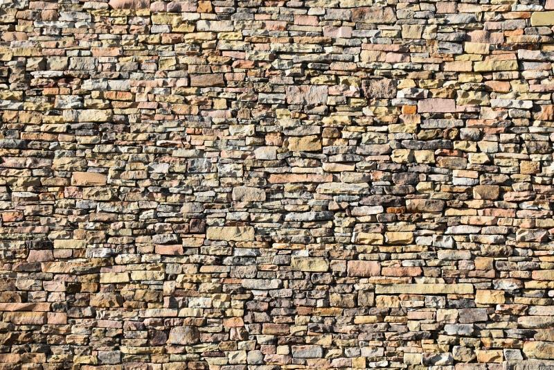 Κατασκευασμένος τοίχος του ξηρού Stone στοκ φωτογραφίες