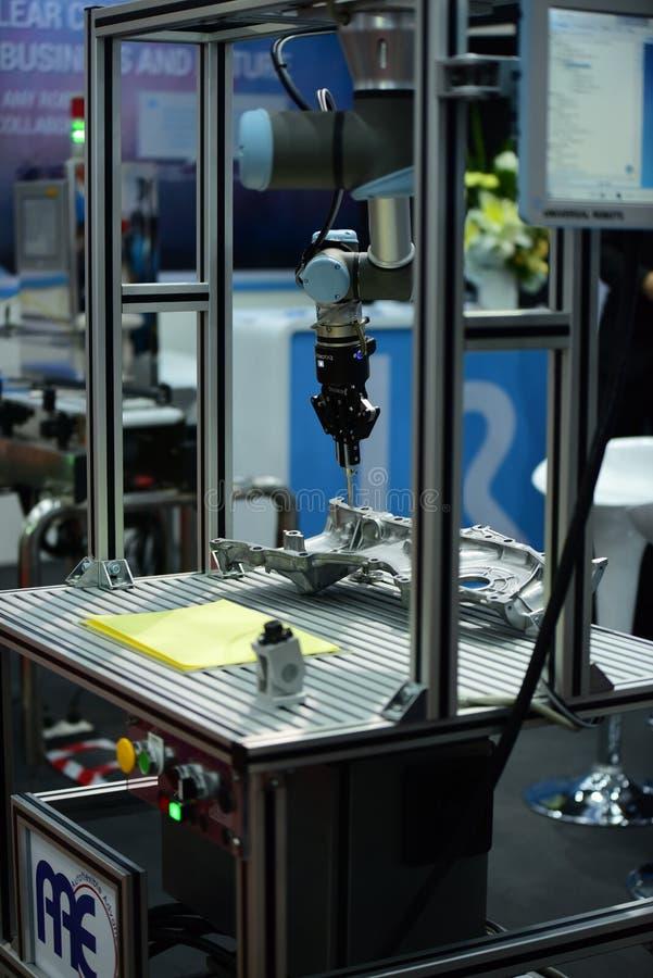 Κατασκευαστές και εισαγωγείς για τη βαριά βιομηχανία Ελάτε ενώνει στο θάλαμο στοκ φωτογραφία με δικαίωμα ελεύθερης χρήσης