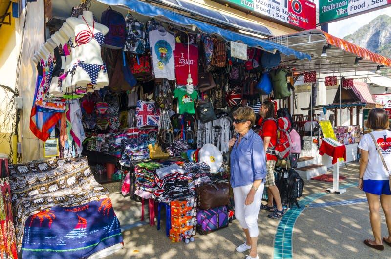 Καταστήματα και καταστήματα beachwear του Ταϊλανδού στοκ φωτογραφία με δικαίωμα ελεύθερης χρήσης
