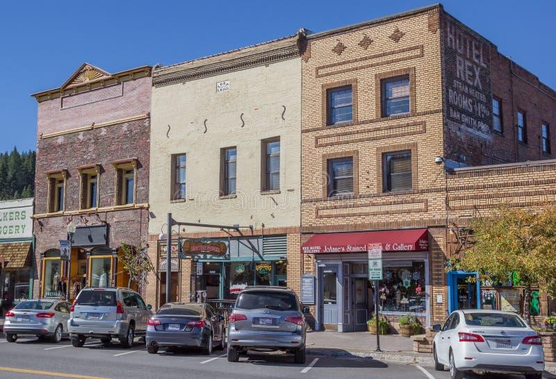 Καταστήματα στο κεντρικό δρόμο Truckee στοκ φωτογραφία με δικαίωμα ελεύθερης χρήσης