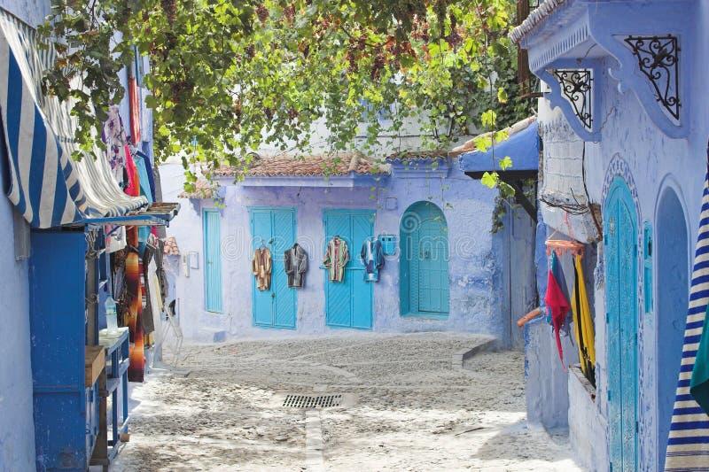 Download καταστήματα στοκ εικόνες. εικόνα από κρύο, βακκινίων, μαρόκο - 1537808