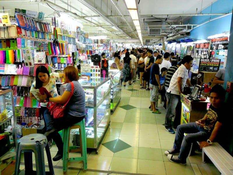 Καταστήματα Bazaar στο εμπορικό κέντρο greenhills στοκ φωτογραφία με δικαίωμα ελεύθερης χρήσης