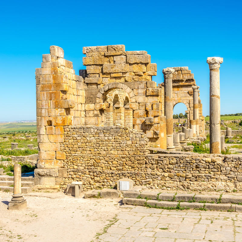 Καταστροφές της βασιλικής στο αρχαίο Volubilis - το Μαρόκο στοκ φωτογραφία με δικαίωμα ελεύθερης χρήσης