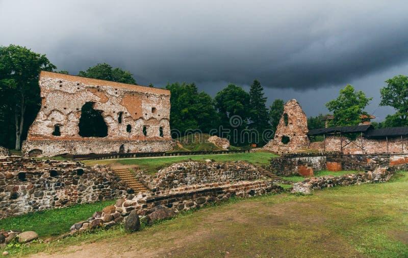 Καταστροφές της διαταγής Castle, Εσθονία Viljandi στοκ φωτογραφίες