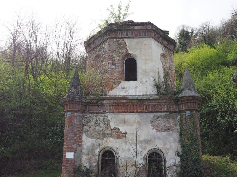 Καταστροφές του γοτθικού παρεκκλησιού σε Chivasso, Ιταλία στοκ εικόνα με δικαίωμα ελεύθερης χρήσης