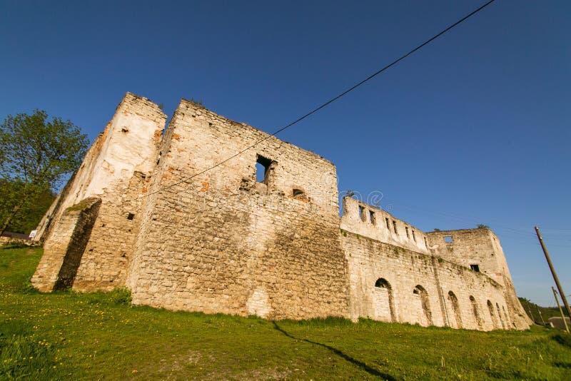 Καταστροφές του παλαιού φρουρίου σε Chortkiv, Ουκρανία στοκ εικόνα