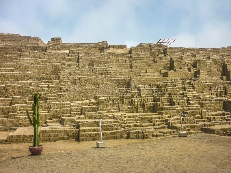 Καταστροφές Huaca Pucllana στοκ εικόνες