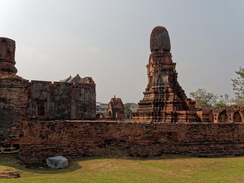 Καταστροφές Mahathat Wat, οι καταστροφές ενός Khmer ναού ύφους σε Lop Buri, Ταϊλάνδη στοκ εικόνες