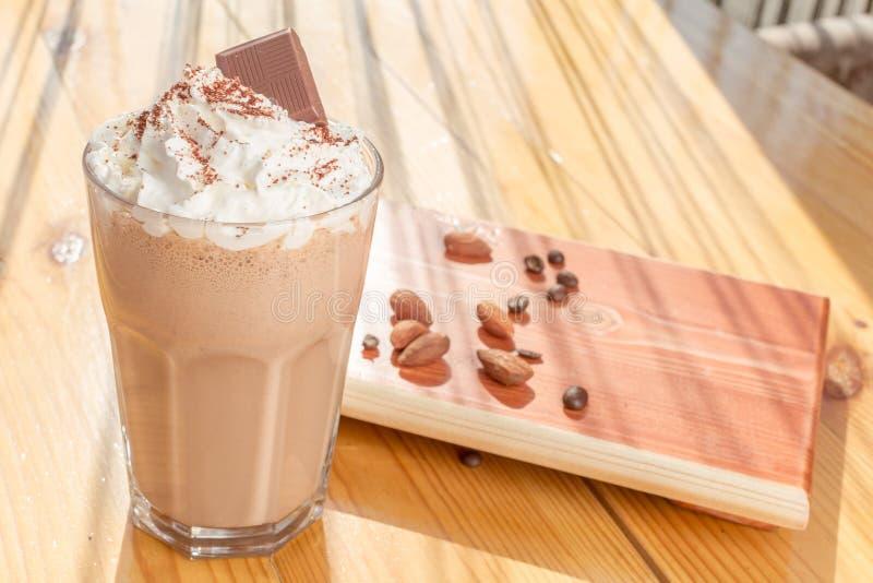 Καταφερτζής σοκολάτας στοκ εικόνα με δικαίωμα ελεύθερης χρήσης