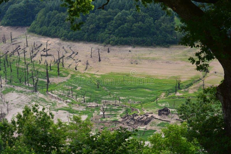 Καταδυμένες καταστροφές κτηρίου στοκ φωτογραφία με δικαίωμα ελεύθερης χρήσης