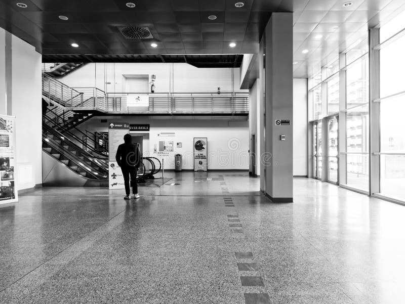 Κατευθύνσεις αναζήτησης ατόμων στο νοσοκομείο στοκ εικόνες
