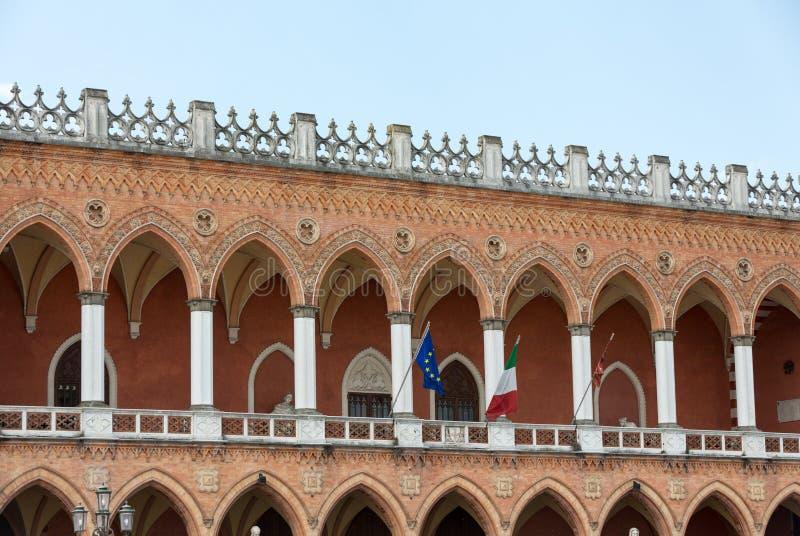 Κατοικήστε Amulea στη μεγάλη πλατεία του della Valle Prato γνωστό επίσης ως ασβέστιο ` Duodo Palazzo Zacco στην Πάδοβα, στοκ εικόνα