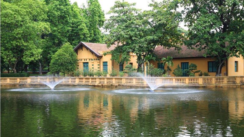 Κατοικία του Ho Chi Minh s κοντά στη λίμνη στοκ εικόνες με δικαίωμα ελεύθερης χρήσης
