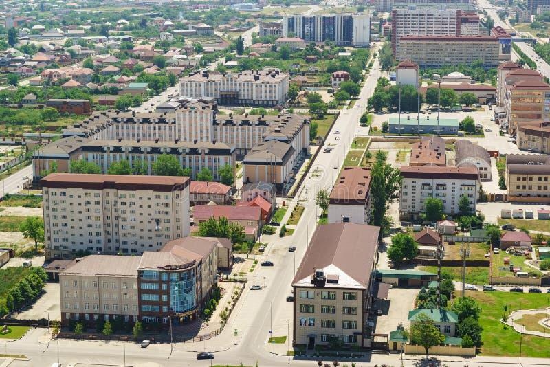 Κατοικημένα και διοικητικά κτήρια στην οδό της Αγία Πετρούπολης στο κέντρο πόλεων στοκ εικόνες με δικαίωμα ελεύθερης χρήσης