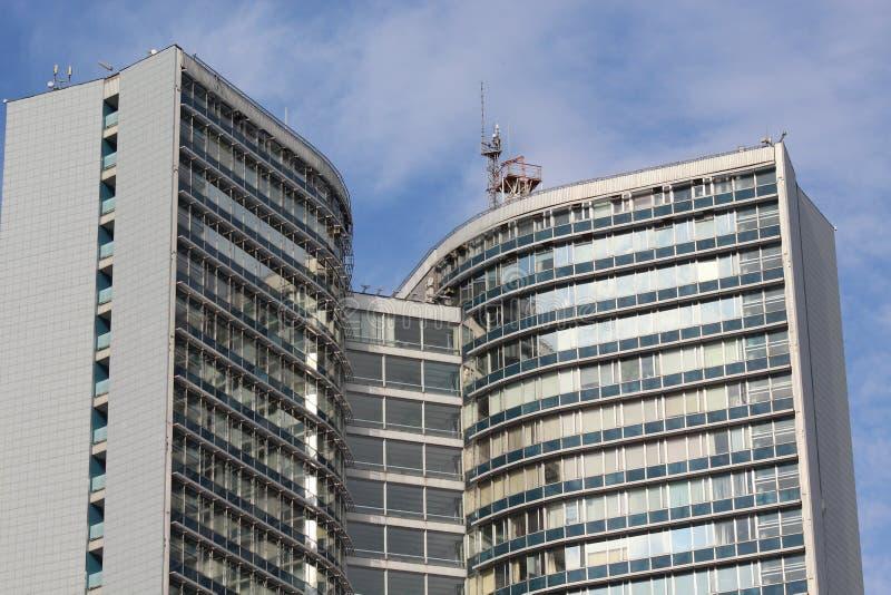 Κατοικημένη αρχιτεκτονική της σύγχρονης πόλης της Μόσχας στοκ εικόνα