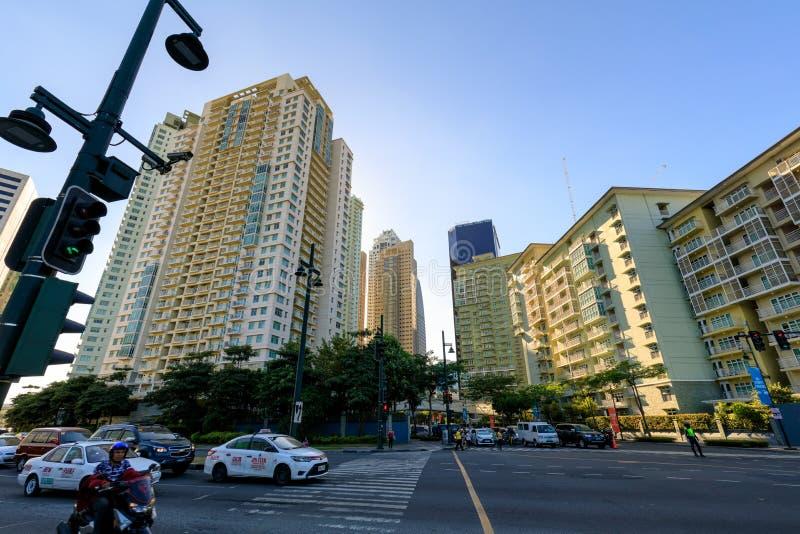 Κατοικημένη πρόσοψη Serendra στη σφαιρική πόλη Bonifacio, Taguig, Φιλιππίνες στοκ εικόνα