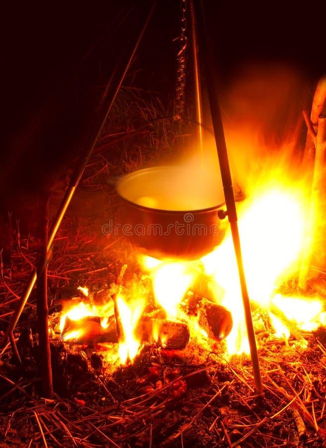 κατσαρόλλα πυρών προσκόπων στοκ φωτογραφίες